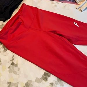 DOYOUEVEN Red High Waisted Leggings
